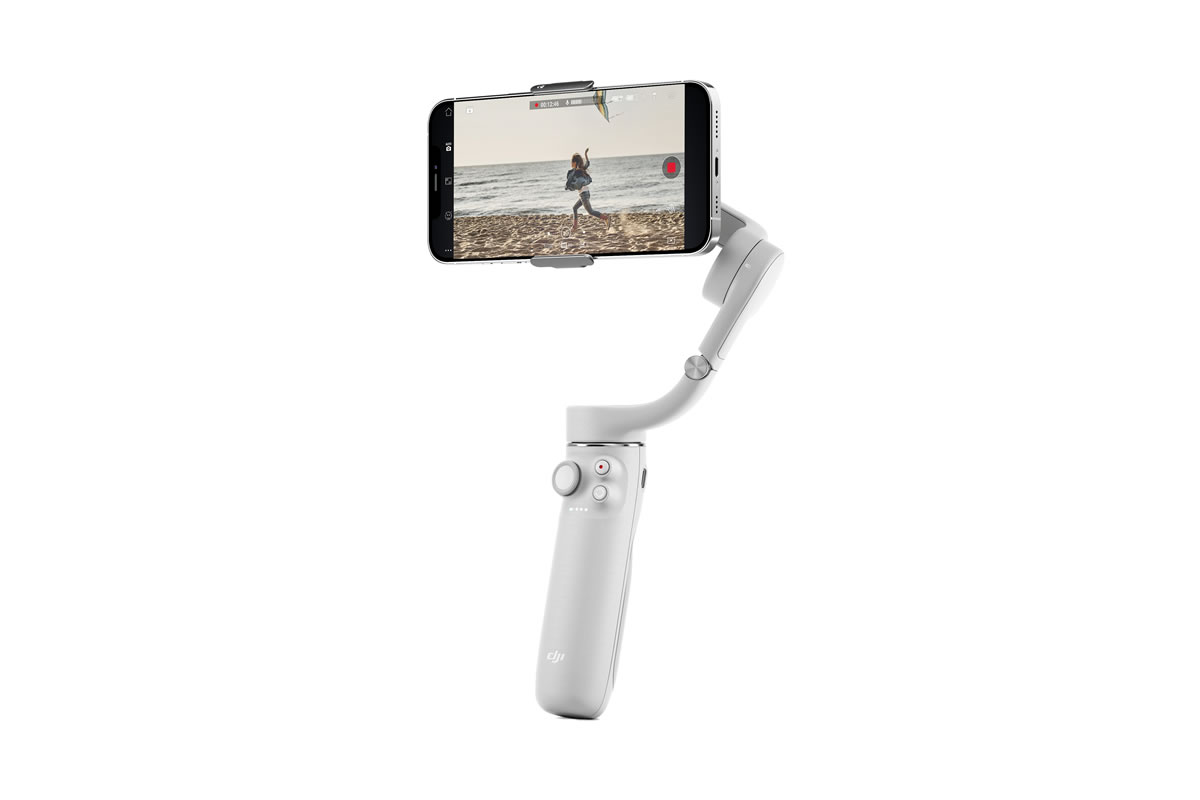 携帯性抜群な手のひらサイズのDJI OM 5で、お使いのスマホの撮影性能を最大限に。完璧なセルフィー撮影、超滑らかな動画撮影、自動トラッキングなど、DJI OM 5は楽しい機能をたくさん搭載しています。