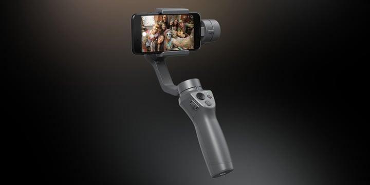 新しくなったハンドヘルド・ジンバルOsmo Mobile 2を使えば、あなたの未知の体験や旅先での情景など、映画のように滑らかな映像で簡単に撮影できます。