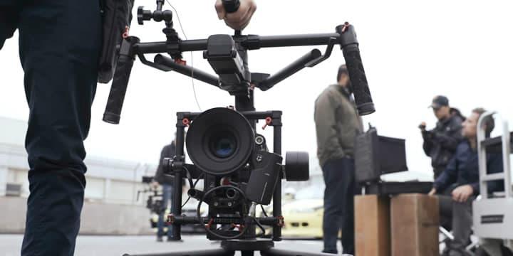 Ronin-MXは世界中で使用されている多様なカメラに対応。スムーズトラックアルゴリズムにより、どのカメラでも滑らかな動きを実現します。