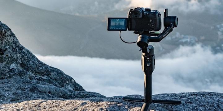 軽量設計で優れた手ブレ補正機能を搭載するRonin-SCは、 ミラーレスカメラ用の3軸スタビライザーで、 プロレベルの映像撮影に果敢に挑戦できます。