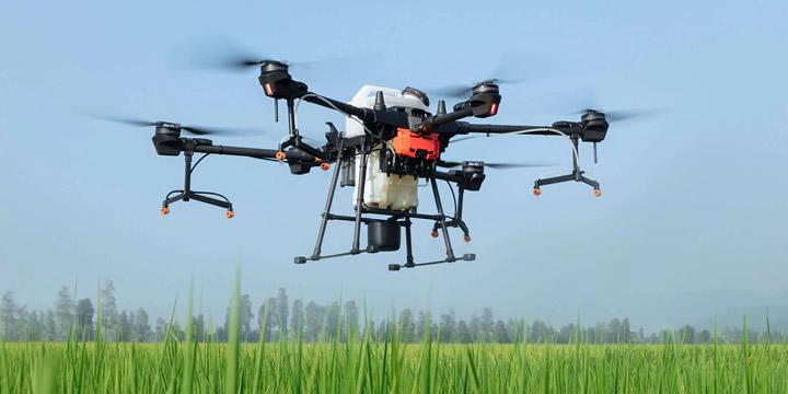 AGRAS T20 日本版は、新機能の全方向デジタルレーダーなどを駆使して、飛行の安定性と安全性を次レベルへ向上させ、重要な農作業に高い効率性をもたらします。